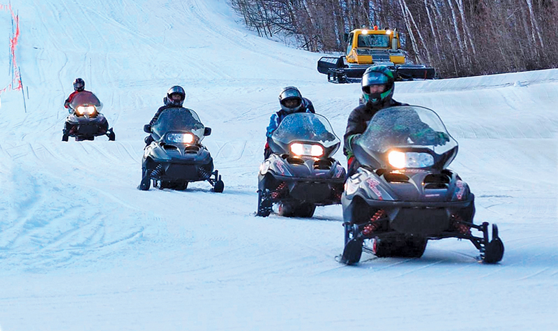 snowmobile tour at stratton mountain